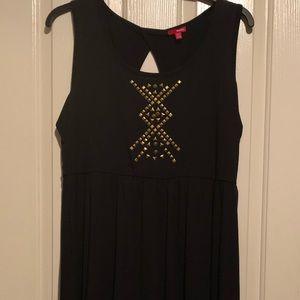 Black high low dress.